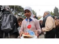 Sadakataşı Derneği'nden Afrin'e Mobil Fırın