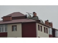 Doğu Anadolu'da Şiddetli Rüzgar Ve Fırtına Etkili Oldu