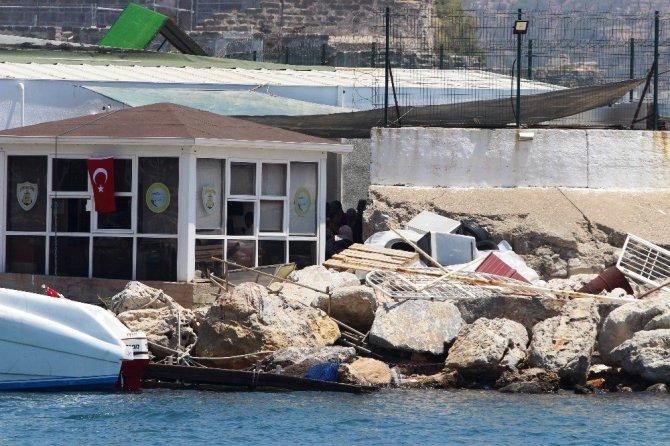 Muğla, Bodrum'da 15 Kişilik Tekneden 54 Mülteci Çıktı
