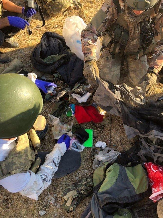 Van, Gülpınar'da Jandarma, Saldırı Hazırlığındaki 2 Teröristi Etkisiz Hale Getirdi